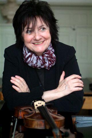 violin classes in budapest: